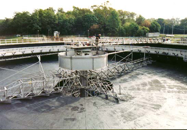 Column-Supported Center Feed Clarifier